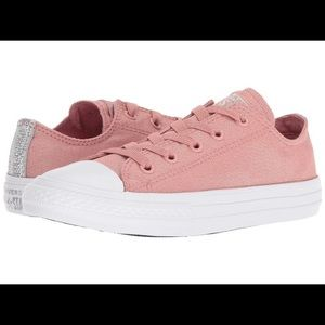 sparkly rose pink converse low tops!